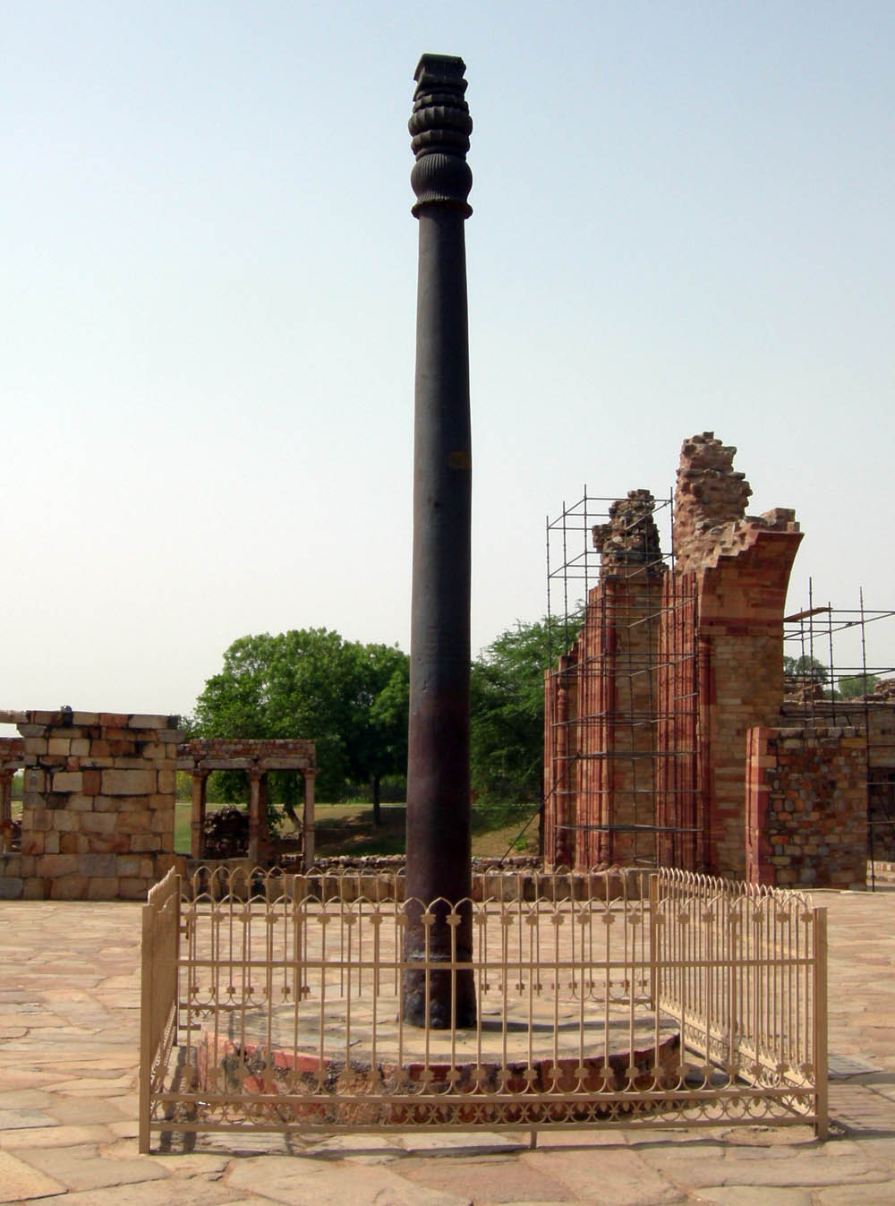 Description English: The iron pillar in the Qutb complex near Delhi, India. Date May 2008 SourceOriginal photograph AuthorPhotograph taken by Mark A. Wilson (Department of Geology, The College of Wooster). [1]