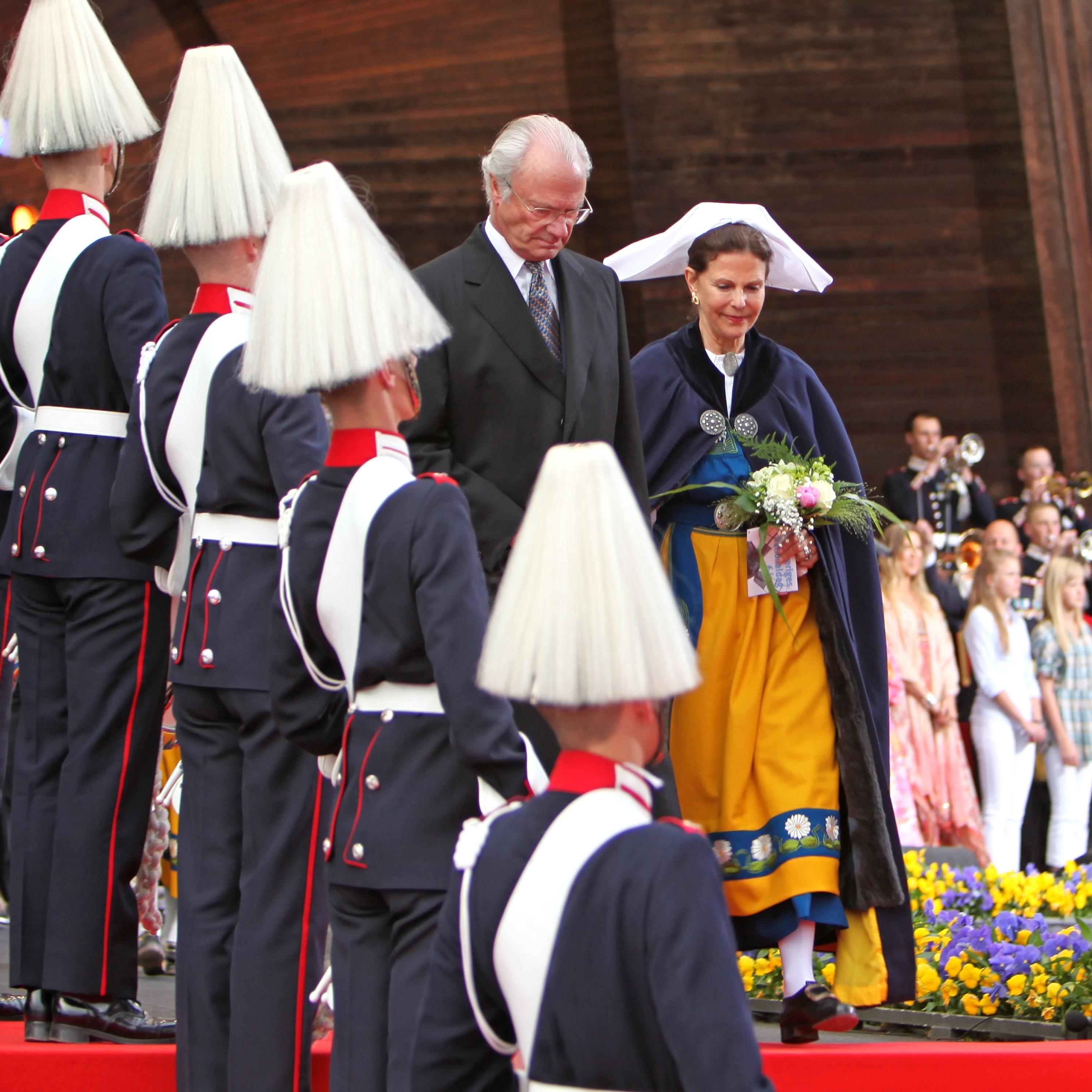 Los Reyes de Suecia celebrando el Día Nacional de Suecia