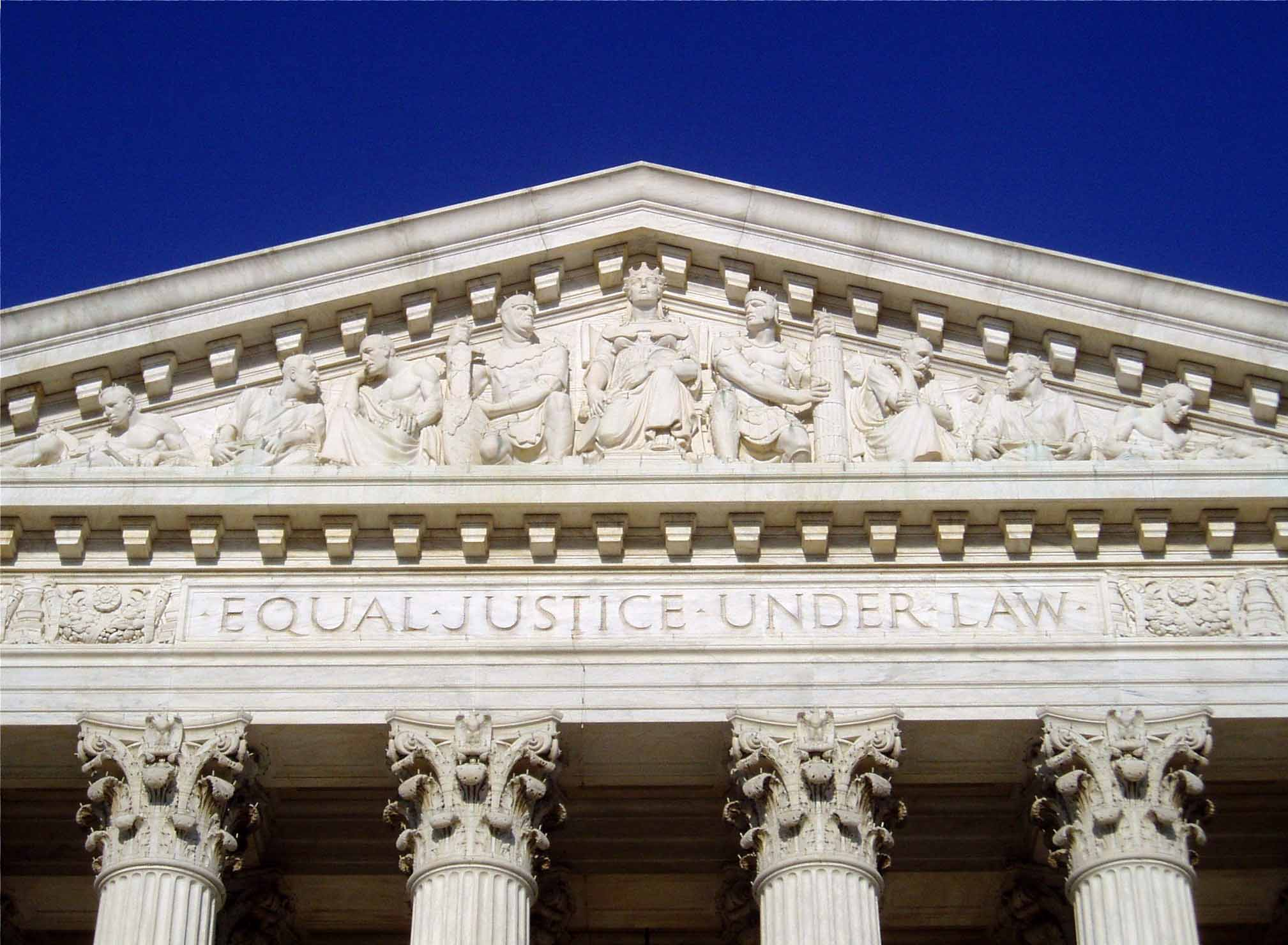 English: The inscription Equal Justice Under L...