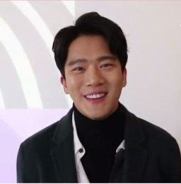 Ha seok-jin para Marie Claire Korea -마리25주년 스타들의 축하 릴레이 - 하석진 02