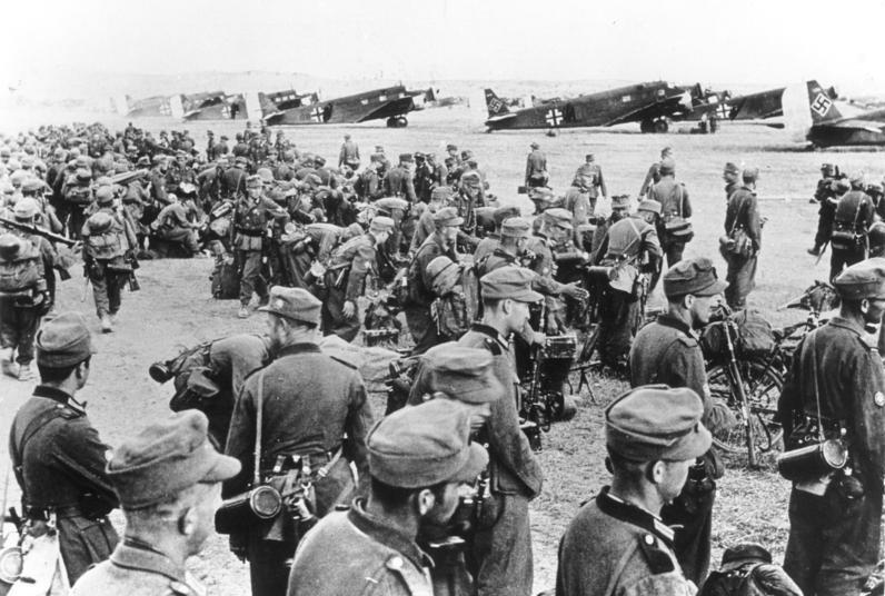 File:Bundesarchiv Bild 183-L19017, Gebirgsjäger vor dem Start nach Kreta.jpg