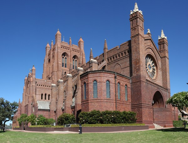 File:2 christ church cathedral.jpg - Wikimedia Commons