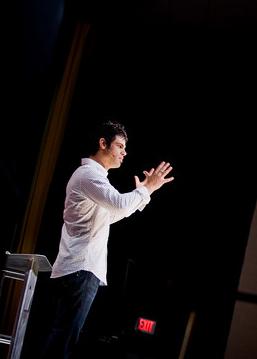 English: Pastor Steven Furtick, lead Pastor of...