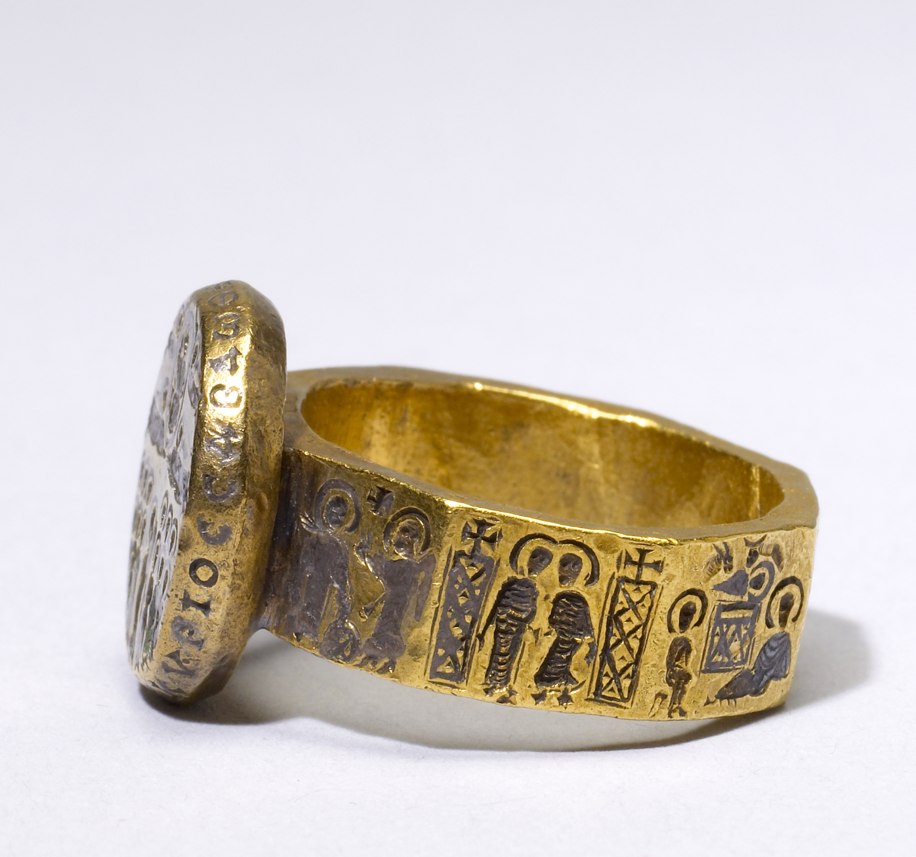 FileByzantine Marriage Ring With Scenes From The Life