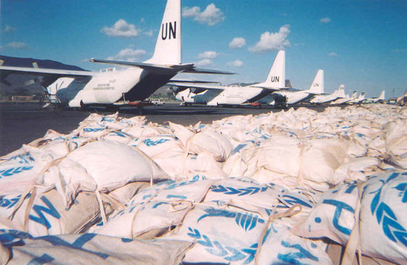 Un c-130 food delivery rumbek sudan.jpg