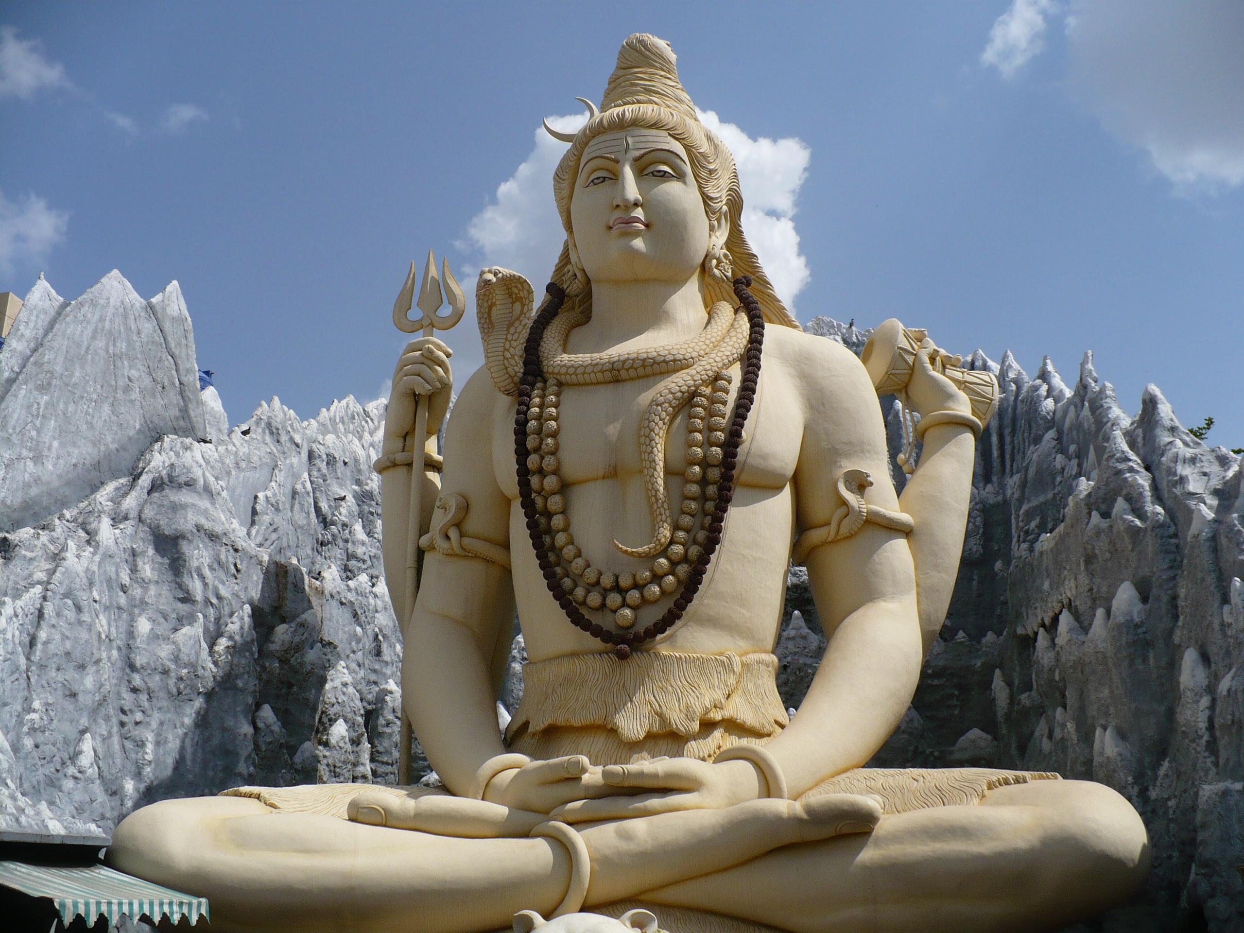 https://i1.wp.com/upload.wikimedia.org/wikipedia/commons/5/52/Bangalore_Shiva.jpg