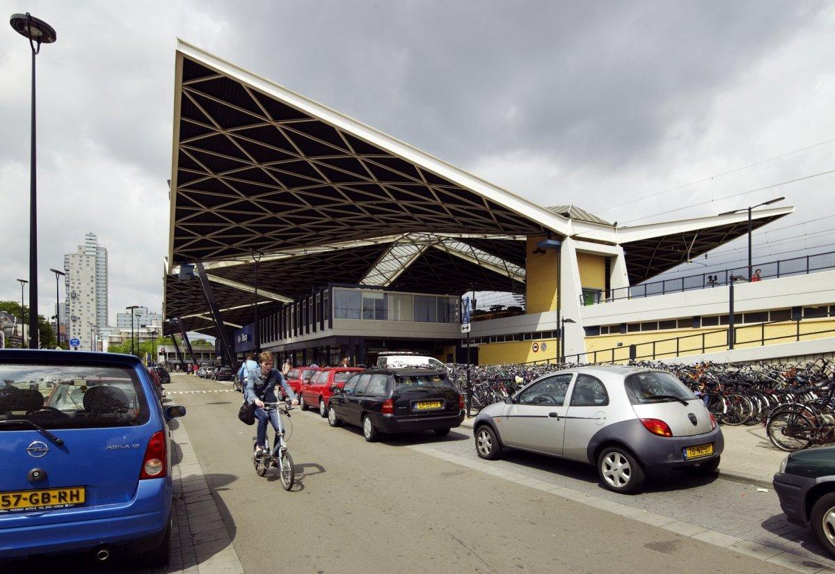 Onder het mooiste dak van nederland van der gaast s station tilburg architectural odyssey - Kantoor onder het dak ...