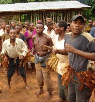 Mbenzele Baka dancers