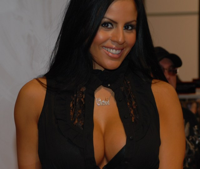 Dateimikayla Mendez At Avn Adult Entertainment Expo 2009 6 Cropped