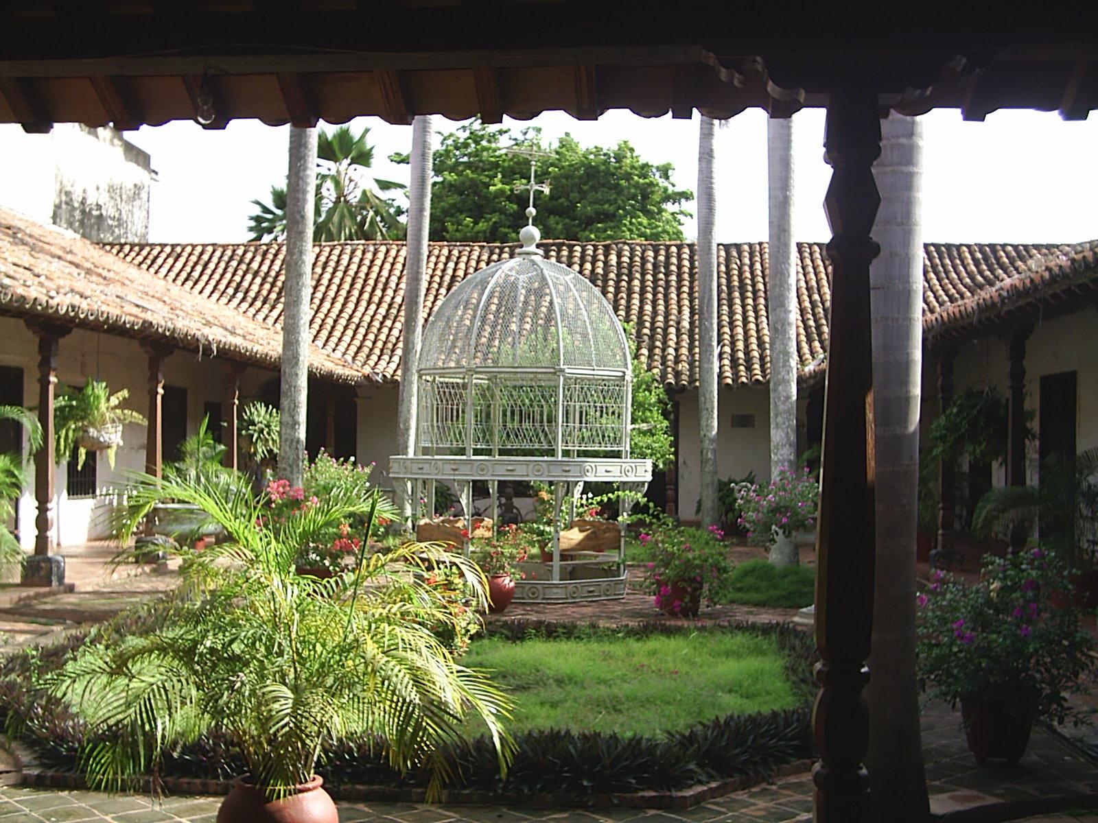 https commons wikimedia org wiki file patio de la casa de la cultura jpg