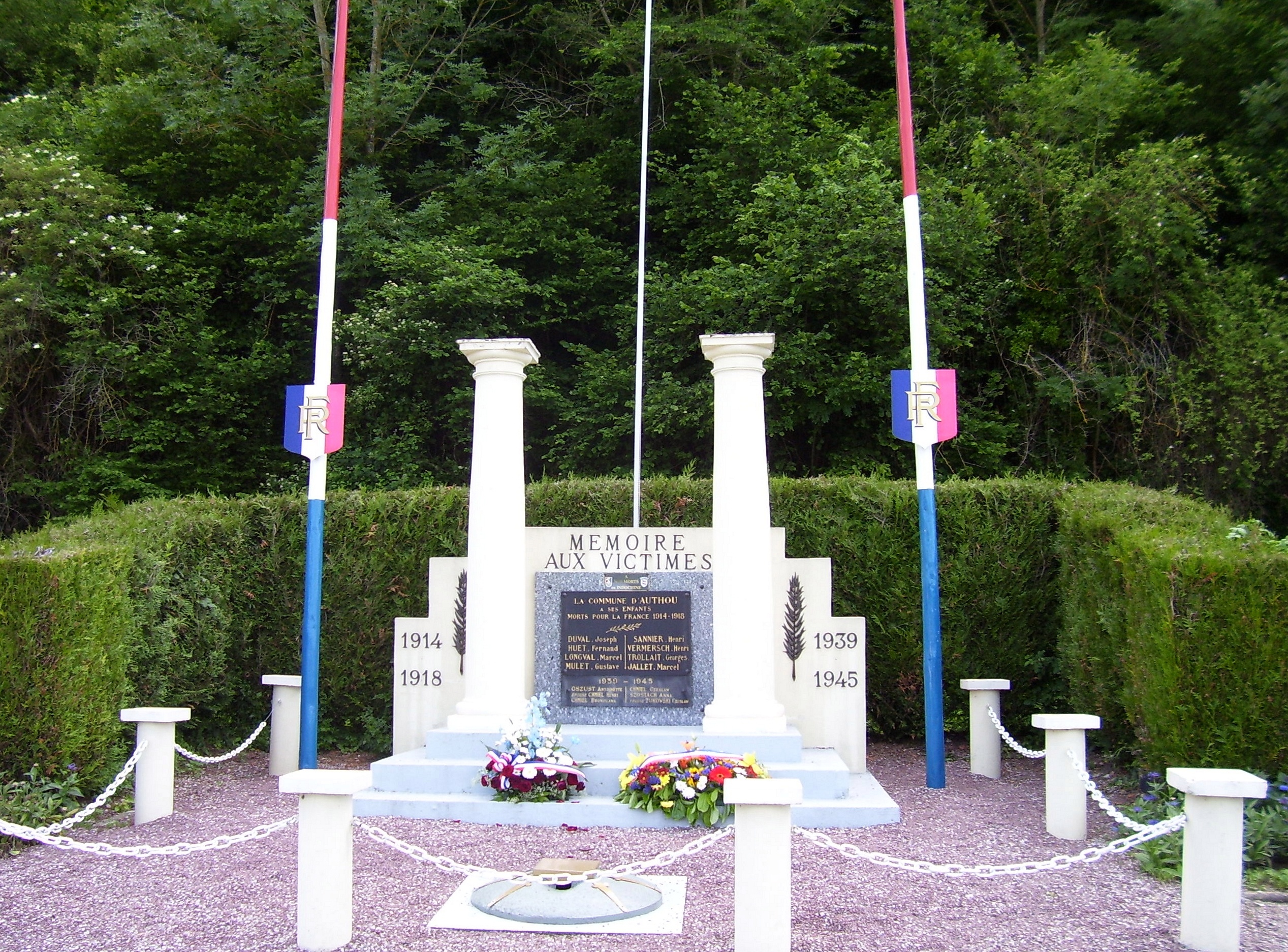 authou monument aux morts