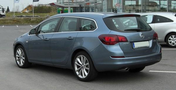 File:Opel Astra Sports Tourer 1.4 Turbo ECOTEC (J ...