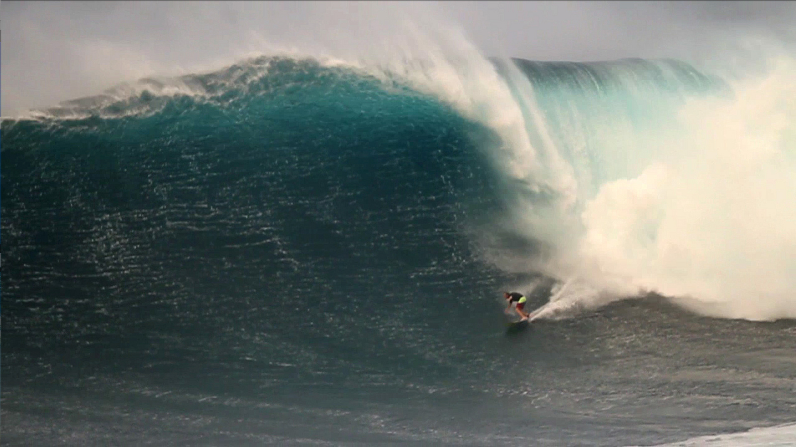 http://upload.wikimedia.org/wikipedia/commons/5/5a/Jeff_Rowley_Big_Wave_Surfer_2012_Finalist_Billabong_XXL_Big_Wave_Awards_Ride_of_Year_Xvolution_Media_-_Flickr_-_Jeff_Rowley_Big_Wave_Surfer_(3).jpg