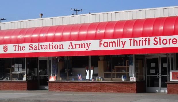 English: Salvation Army Thrift Store, Santa Mo...