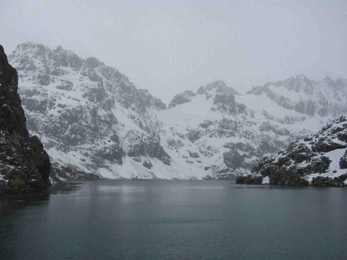 https://i1.wp.com/upload.wikimedia.org/wikipedia/commons/5/5b/Drygalski-Fjord.jpg