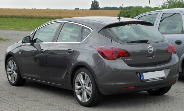 File:Opel Astra J rear-1 20100725.jpg - Wikimedia Commons