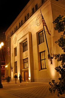 Federal Reserve Bank of St. Louis - Wikipedia