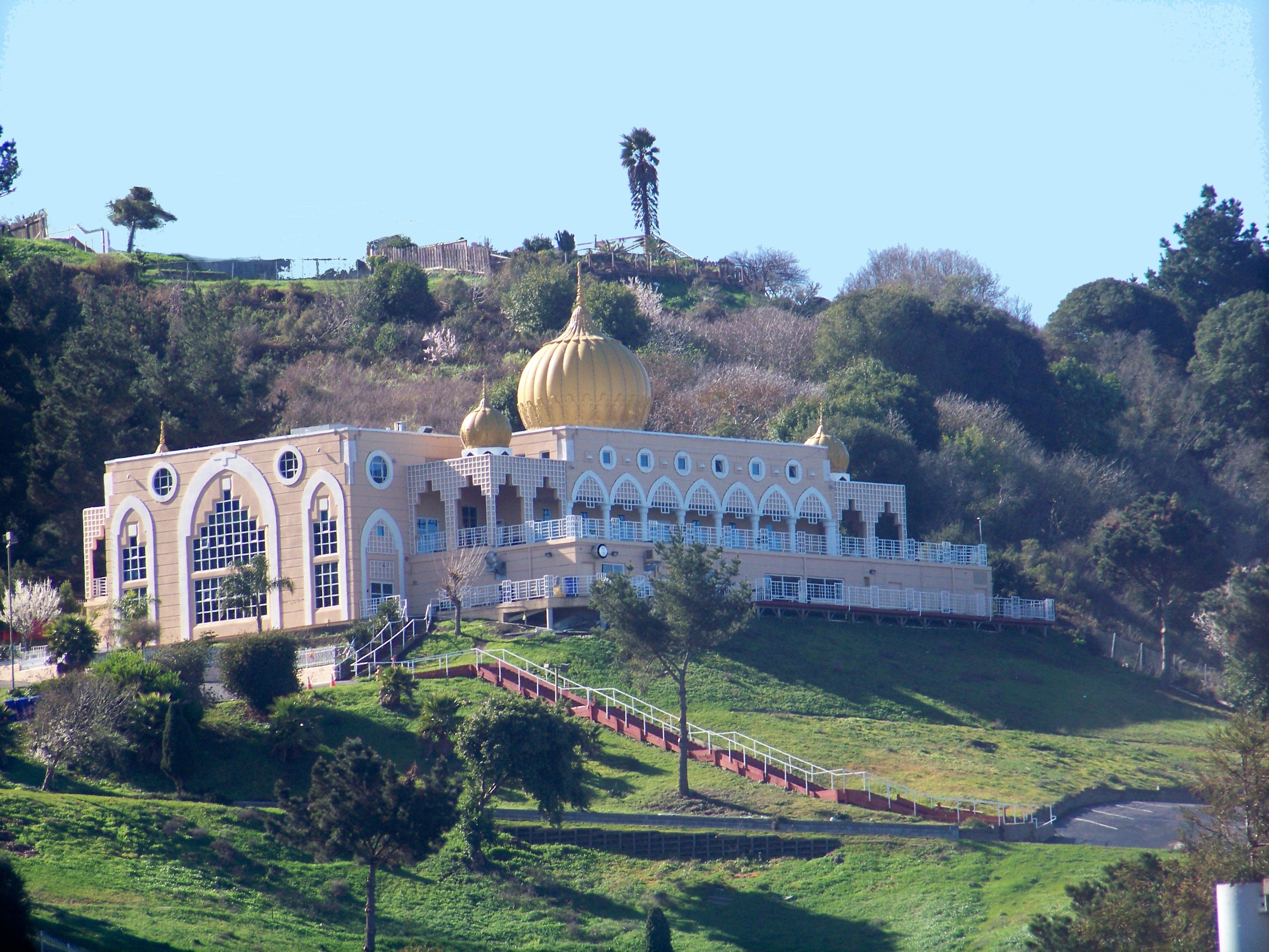 The Sikh Center of San Francisco Bay Area, El Sobrante, California (source: Wikipedia)