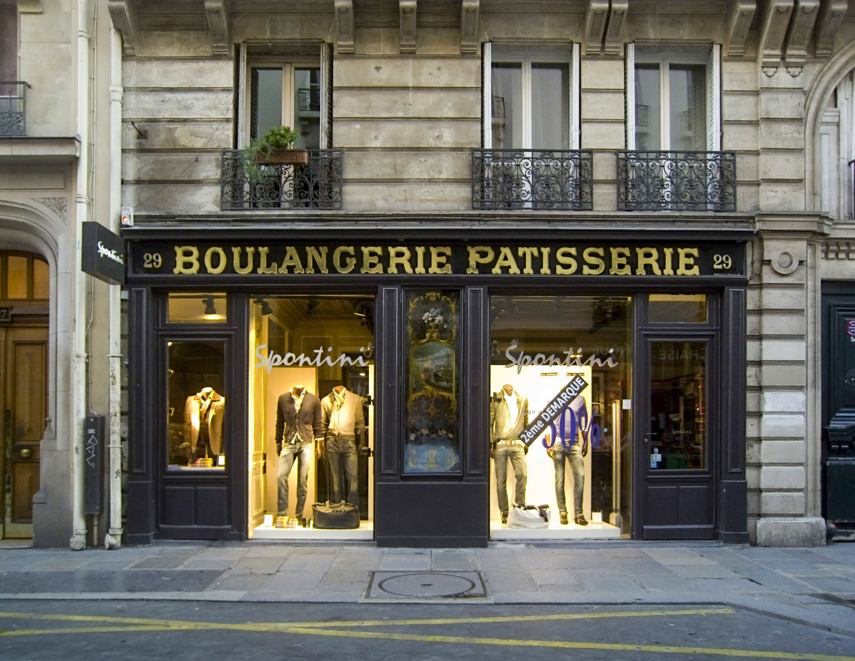 Old bakery, rue des Francs-Bourgeois, 29, in P...