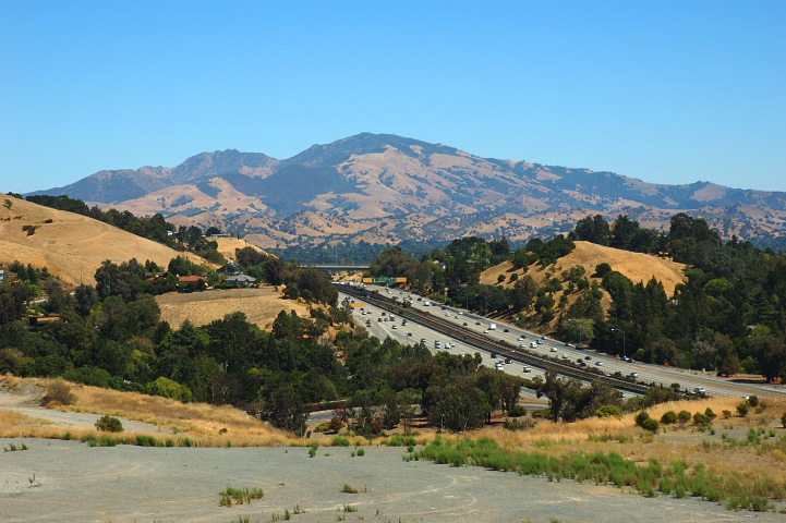 Check out my list of attractions and hikes in mt diablo state park, complete with pictures and information on the different places you will. Mount Diablo Wikipedia