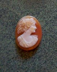 English: A piece of cameo jewelry.