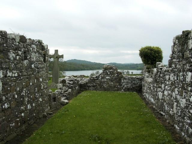 English: Ruins of Inishmacsaints