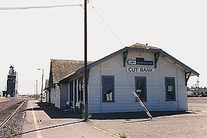 English: Train station in Cut Bank, Montana, U...