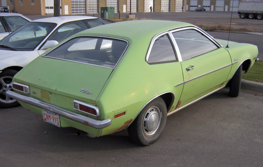 1976 volkswagen cars » Ford Pinto   Wikipedia 1971 1972 Ford Pinto sedan  showing view of trunklid