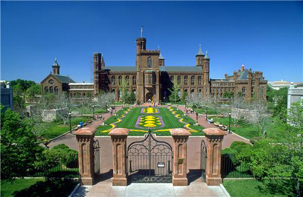 The Smithsonian Institution Building.jpg