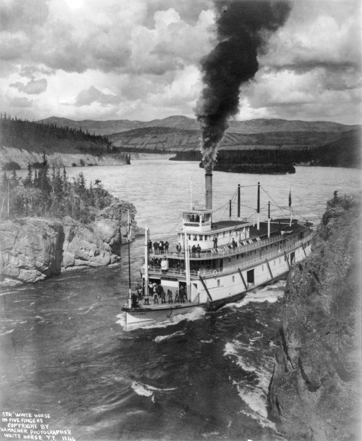 File Steamboat On The Yukon River
