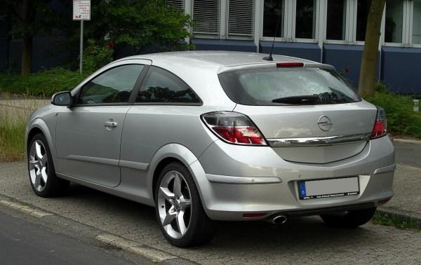File:Opel Astra GTC (H, Facelift) – Heckansicht, 28. Mai ...