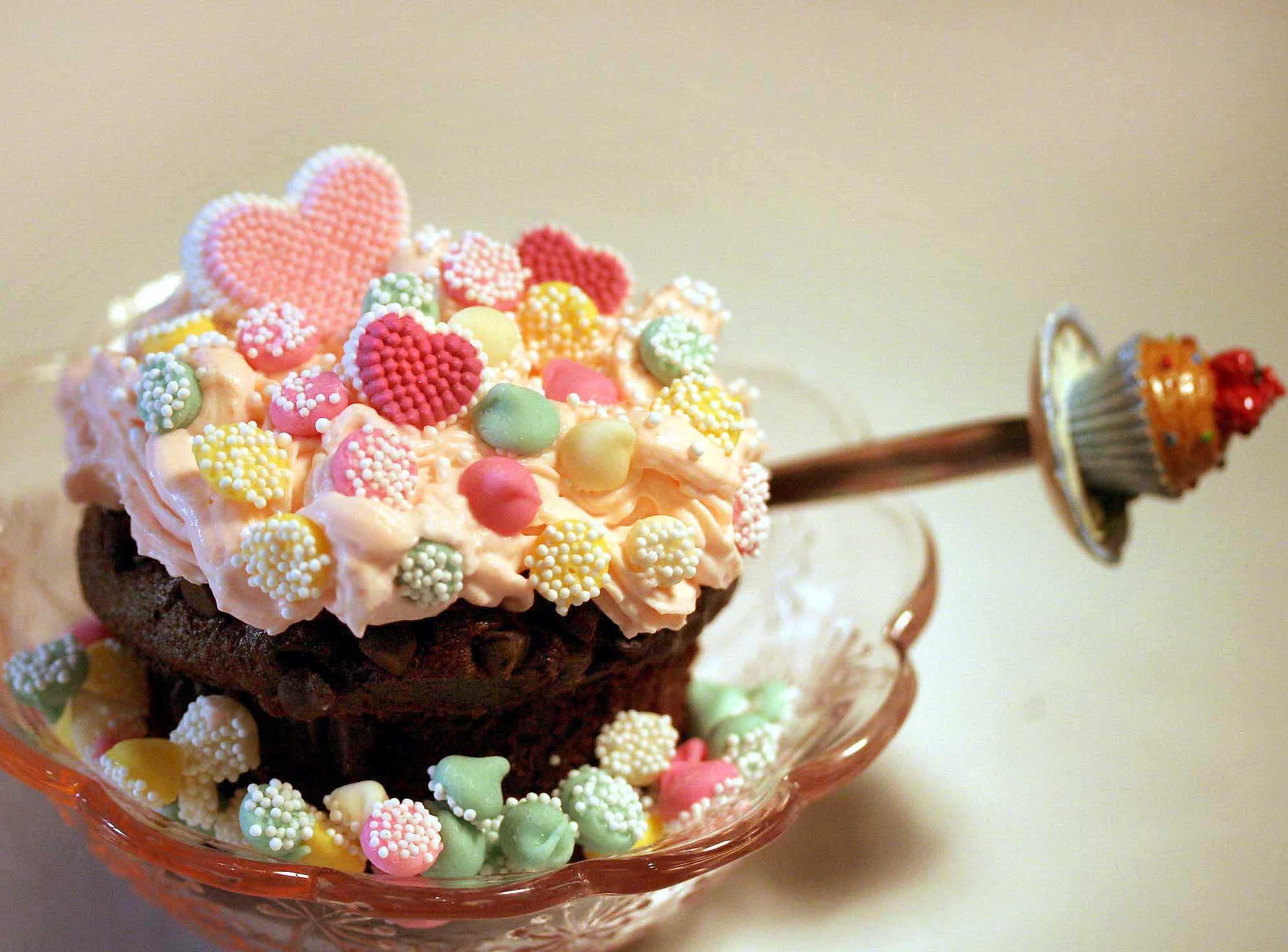 File:Cupcake2.jpg
