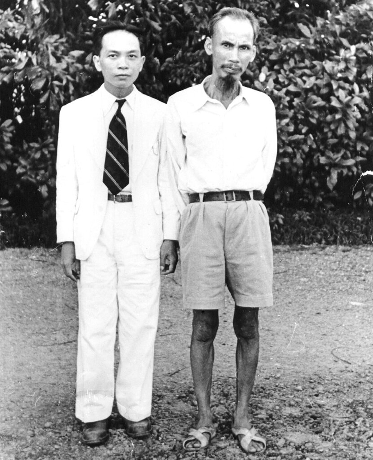 Hồ Chí Minh (right) with Vo Nguyen Giap (left)...