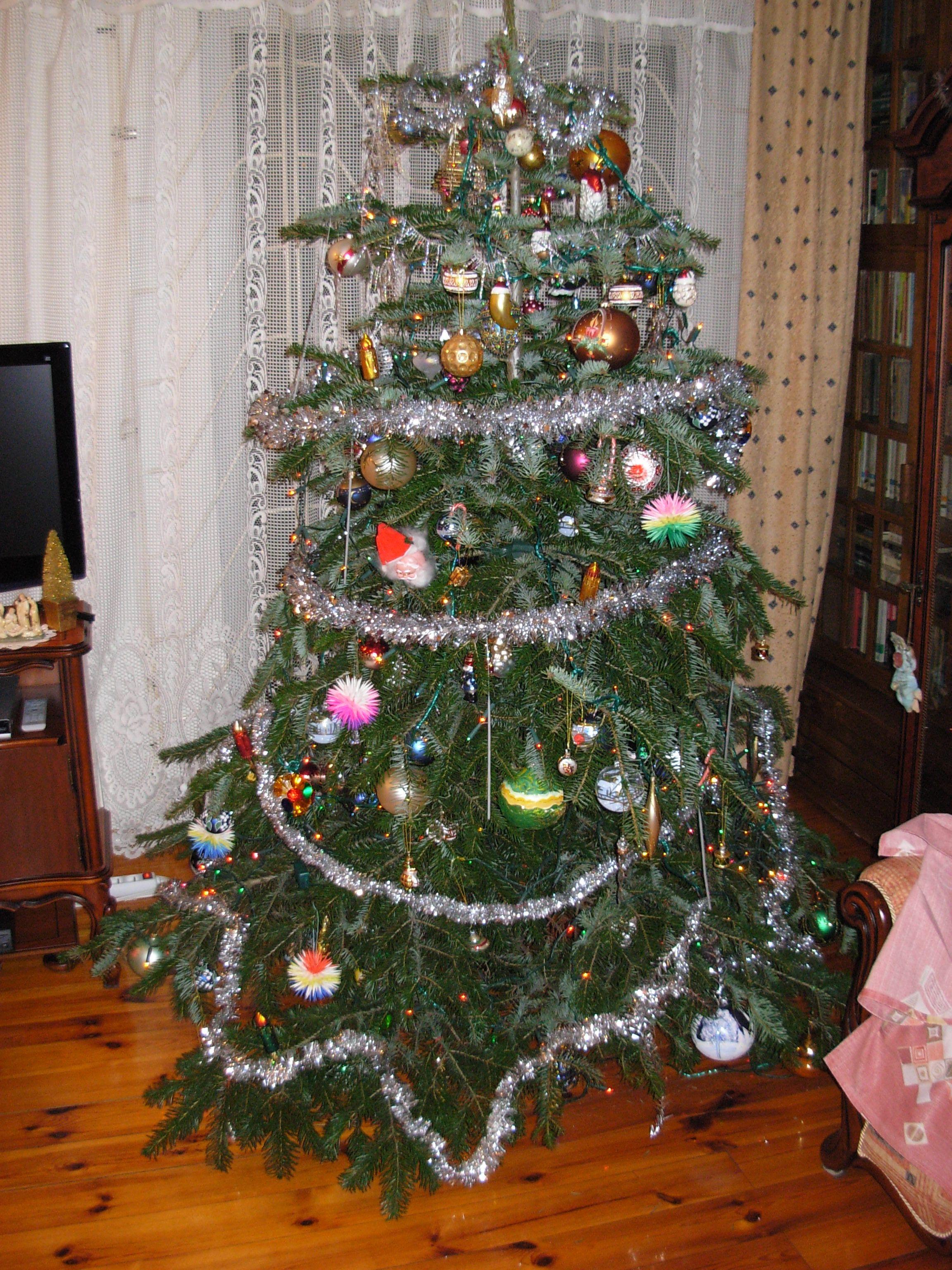 Classic Cranberry Artificial Christmas Wreath Tree Classics
