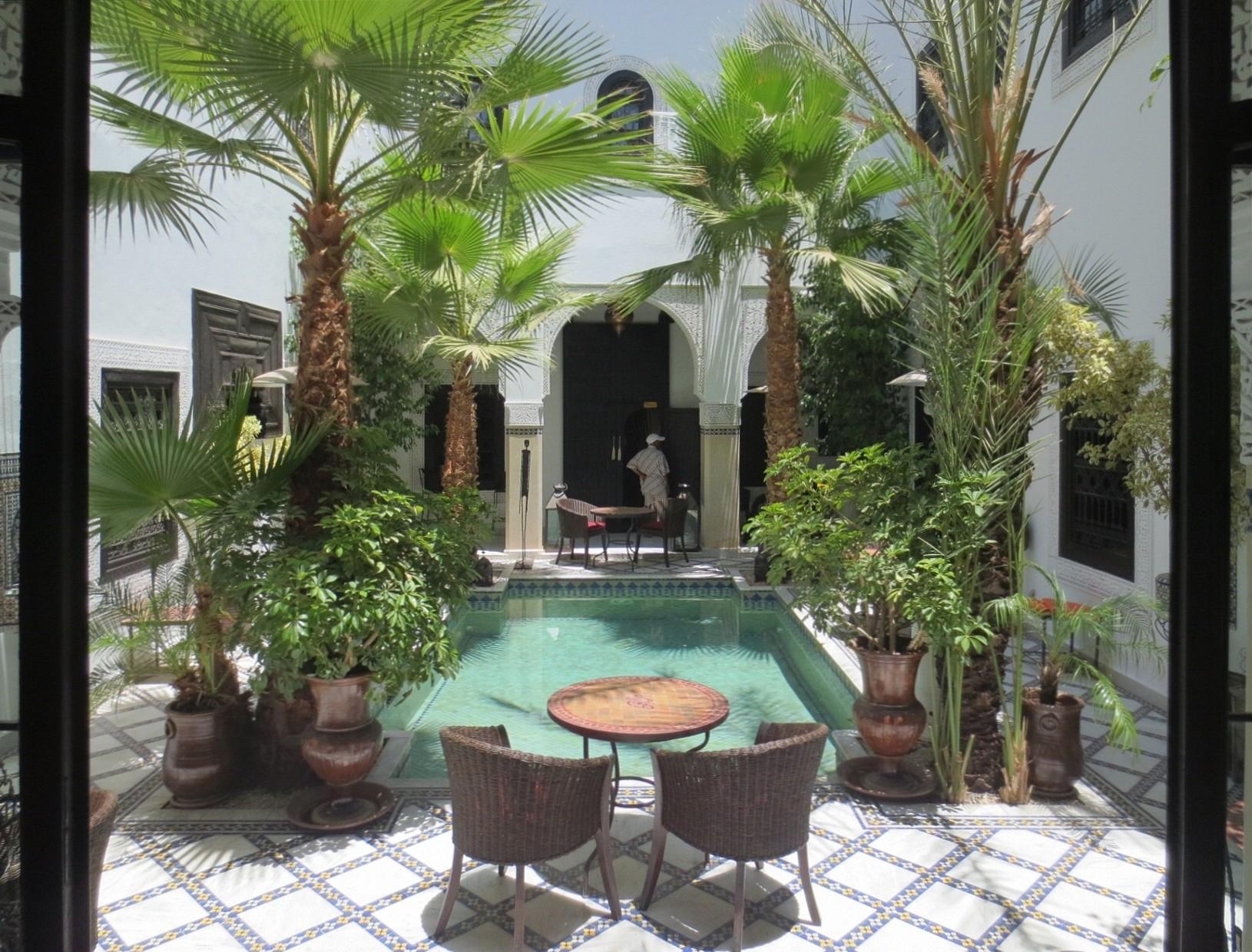 Ein Dachgarten Im Marokkanisch Maurischen Stil