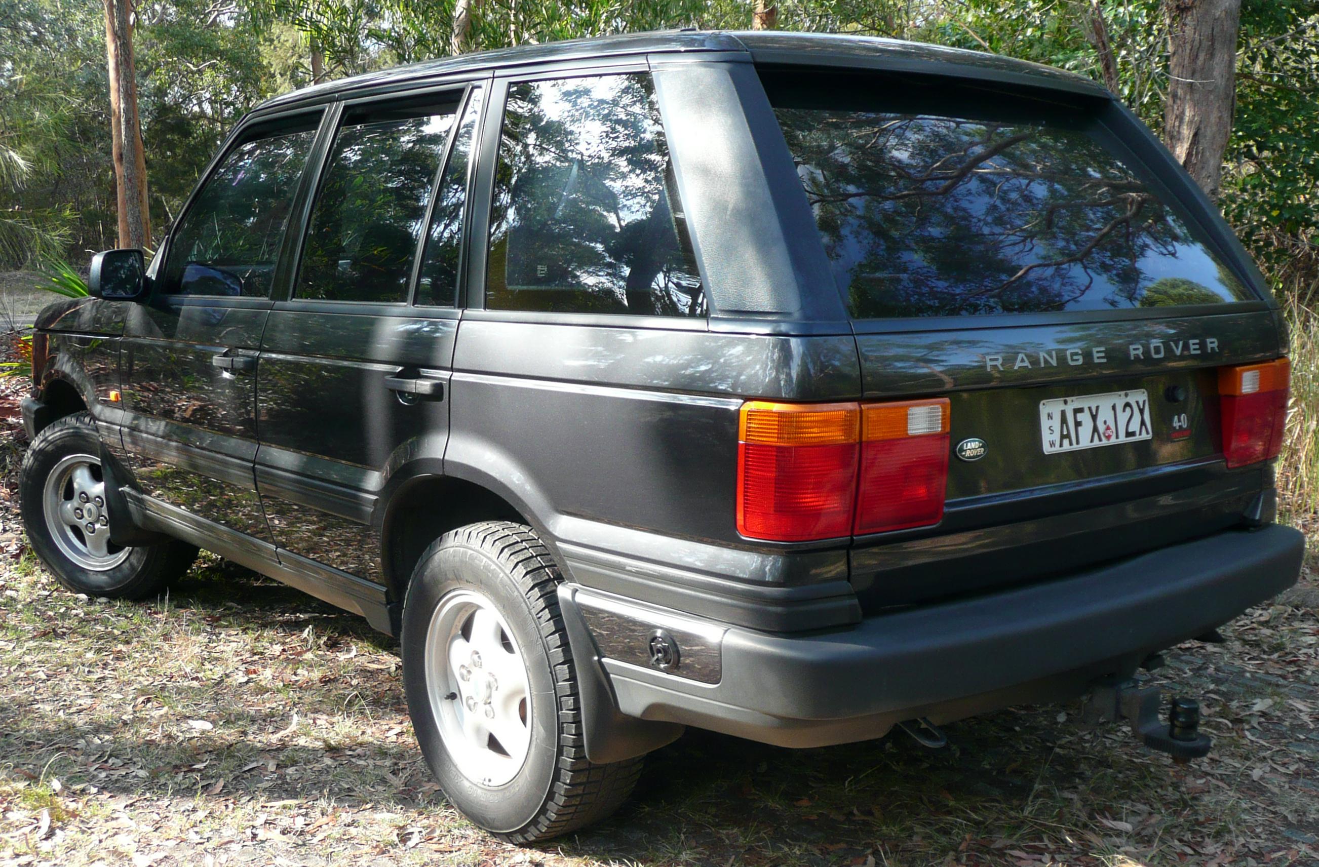 File 1995 1998 Land Rover Range Rover P38A 4 0 SE wagon 02