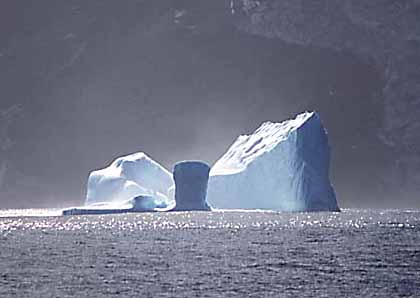 https://i1.wp.com/upload.wikimedia.org/wikipedia/commons/7/75/Iceberg-Antarctica.jpg