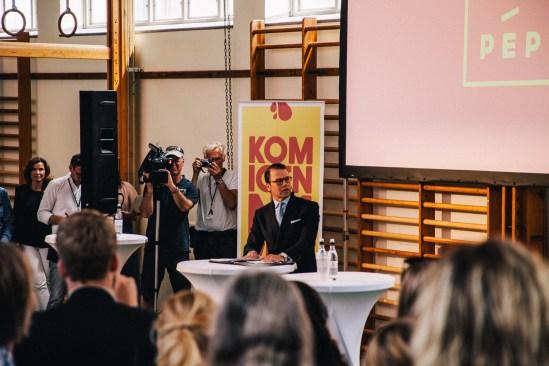 Prince Daniel launches Photo: Marietakako via Wikimedia Commons.