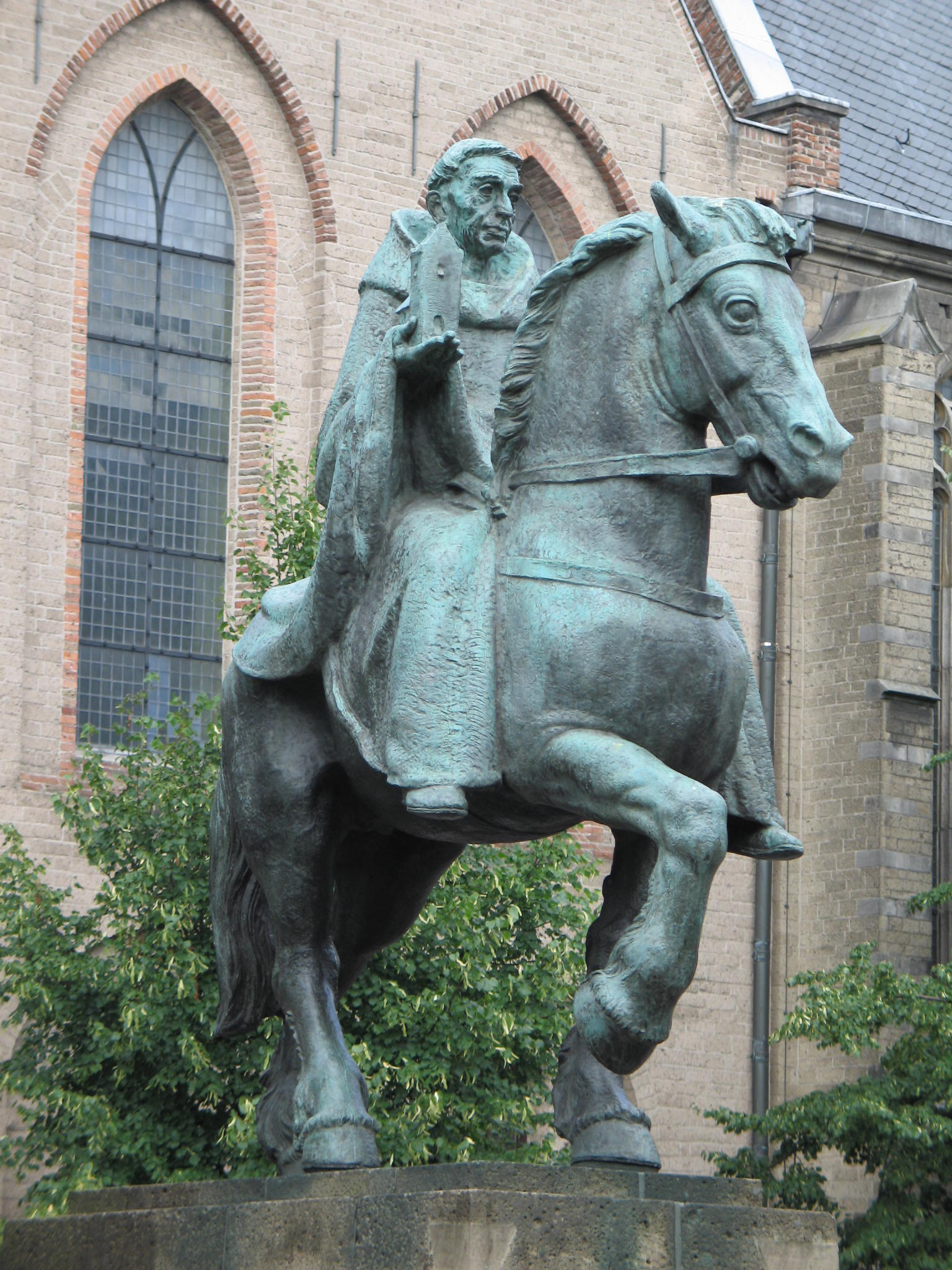 Statue of Willibrord by Albert Termote