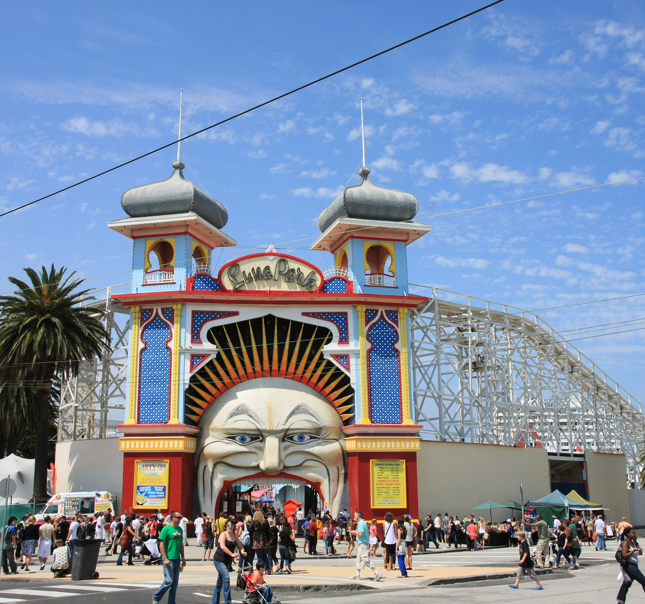 Melbourne mosey the 2nd annual challenge of travel blog for Puerta 7 luna park