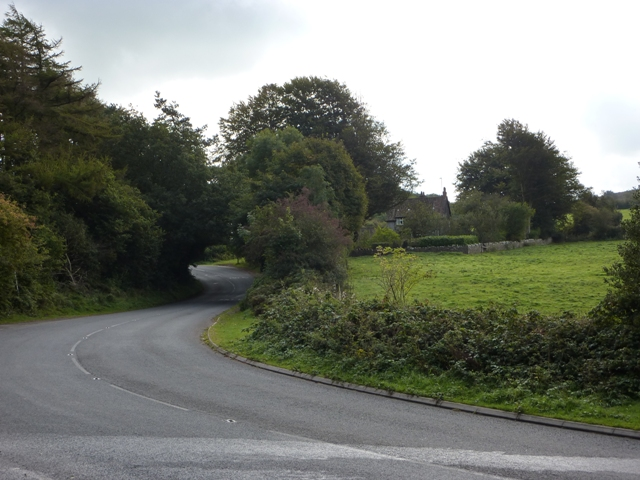 File:B3134 - The Combe - geograph.org.uk - 1504444.jpg