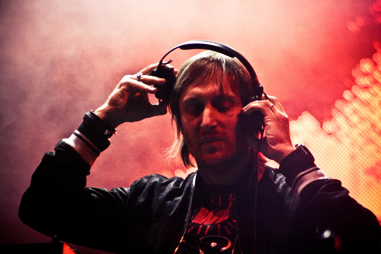 English: David Guetta in a concert in Mexico d...