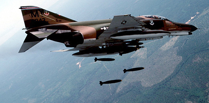 F-4 Phantom II in flying.jpg