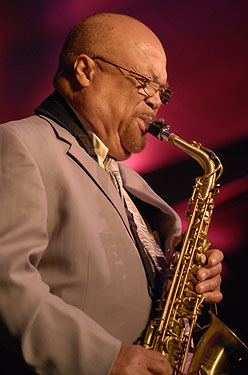 English: Saxophonist Red Holloway