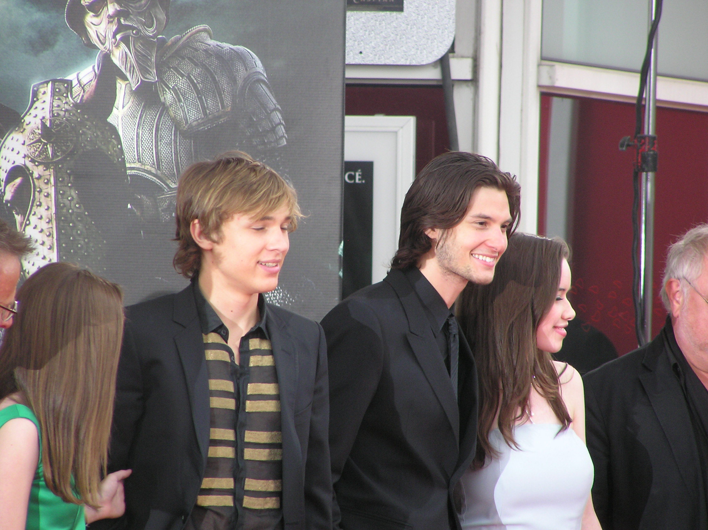 File:William Moseley, Ben Barnes & Anna Popplewell French
