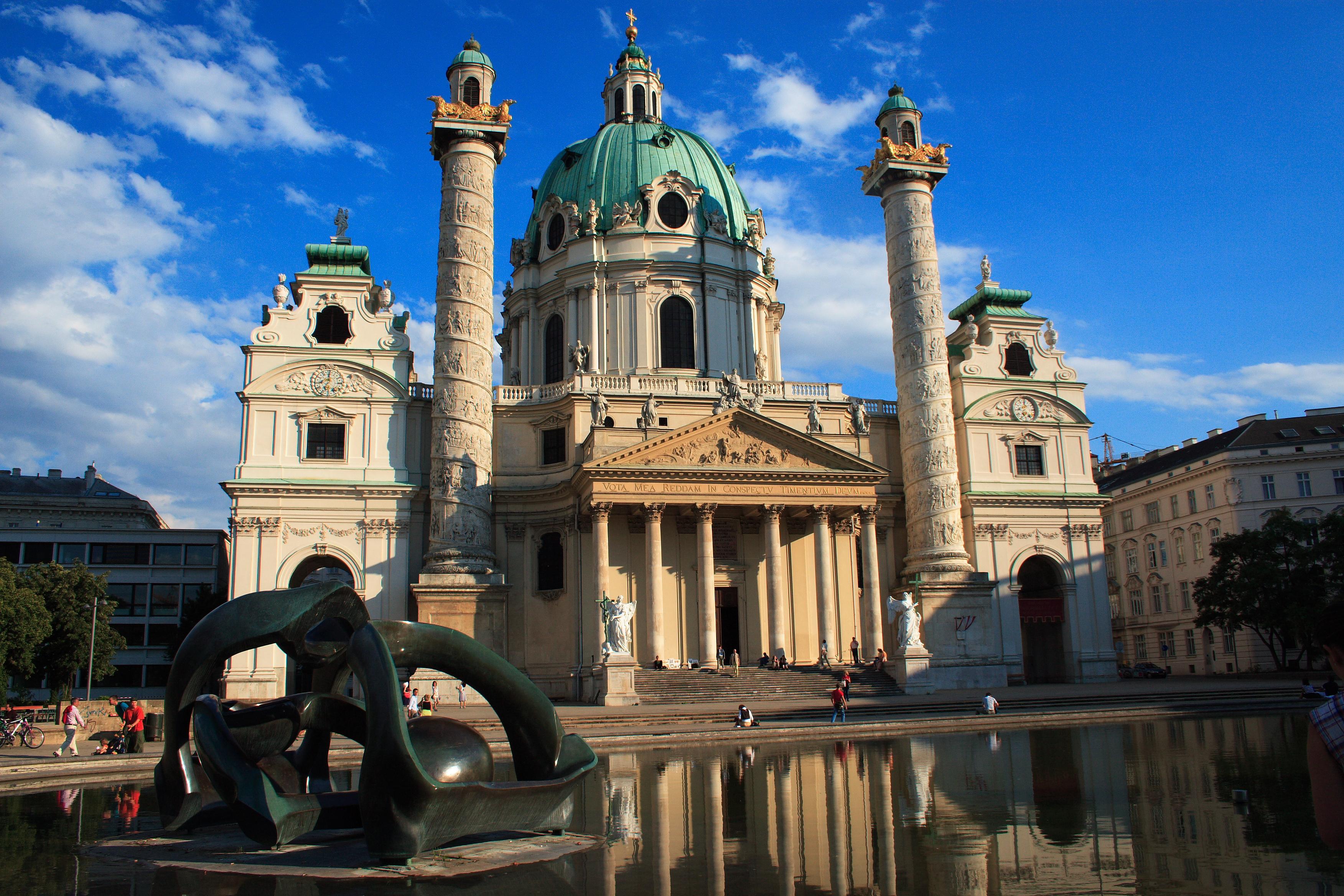 https://i1.wp.com/upload.wikimedia.org/wikipedia/commons/7/7b/Karlskirche,_Vienna.jpg
