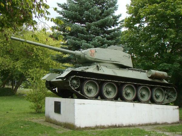 Panzerdenkmal (Lalendorf) – Wikipedia