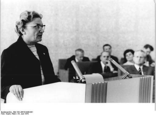 Bundesarchiv Bild 183-J0619-0208-001, Berlin, 25. DDR-Staatsratsitzung