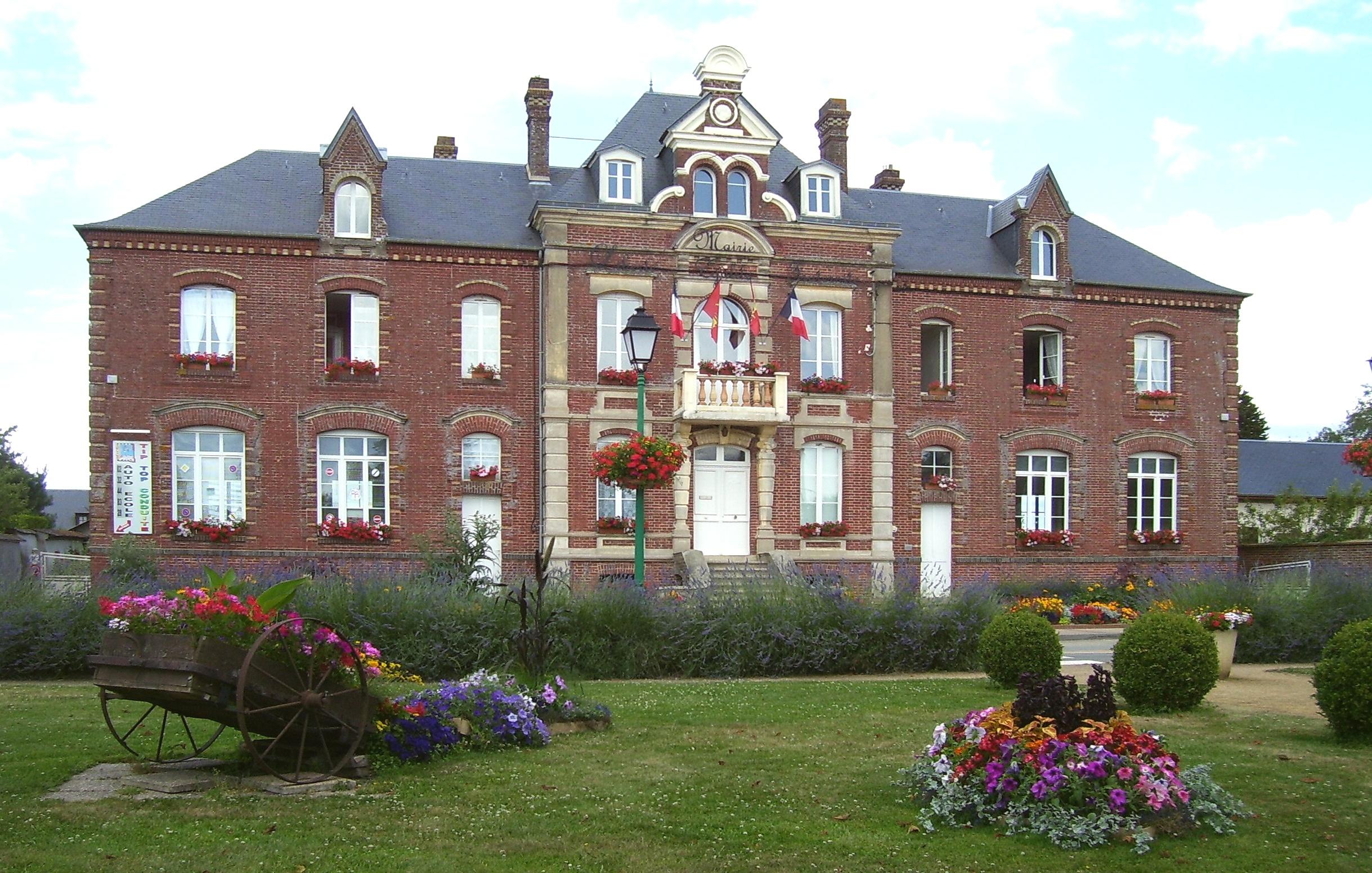 Beblümtes Rathaus, eigenes Foto (auf Commons), Lizenz:public domain