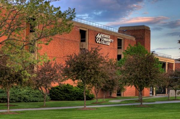 File:Monroe Community College Brighton Campus Main.jpg ...